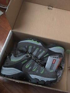 Brand New Women's safety shoe