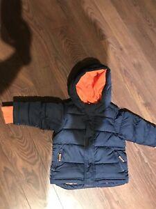 Manteau et pantalon automne/hiver doux/ tuque et mitaine polar