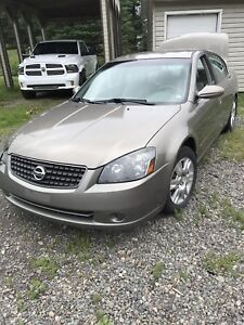Nissan altima S 2006. Echange possible !!