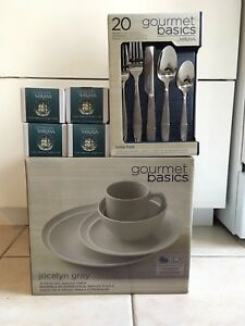 Dinnerware set / dinning wear
