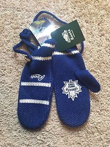 Roots Toronto Maple Leaf Mittens BNWT