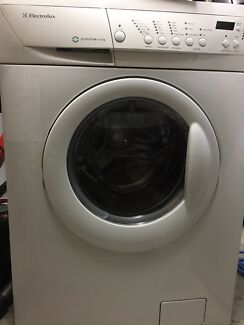 Front Loader Electrolux 6.5kg washing Machine