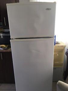 frigo Whirlpool 180 Négociable