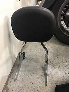 Quick release back rest for Harley Davidson Softail