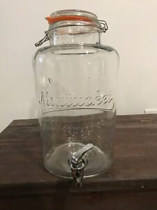 Glass punch bowl dispenser