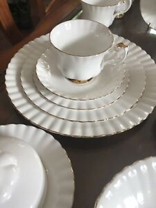 Royal Albert Val'Dor Dinner Set, teapot,