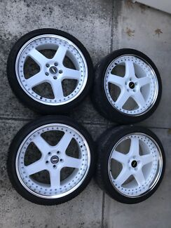 Genuine Staggered White Simmons FR-1's in 20x8.5 and 20x9.5 Wheels