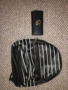 MICHAEL KORS WALLET AND LEATHER BACKPACK
