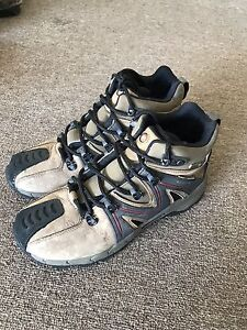 Womens Merrell hiking boots fit like a 6.5/7