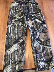Camouflage hunting pants