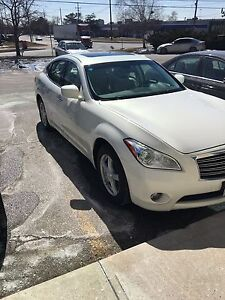Luxury 2011 infiniti m37x awd great condition