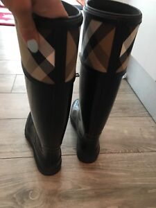 Burberry Rain Boots- mint condition and Size 7.  Worn minimally