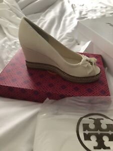 Tory Burch  size 7