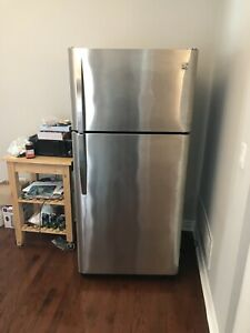 Like new 3 year GE FRIDGE can DELIVER