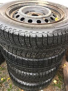 195/65 R15, 4 MICHELIN winter tires with rims in good condition