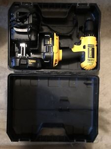 Dewalt 18v cordless drill hardly used great condition