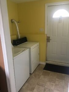 1 Bedroom Apartment Available for Sept 1.
