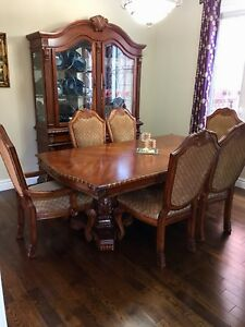 Dinning Table and 6 chairs with Hutch