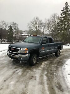 Low km 2006 gmc 2500 duramax diesel. TRADE FOR BOAT OR SXS
