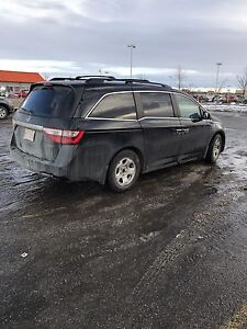 2011 Honda Odyssey Exl-Res. private sale, no past damage.