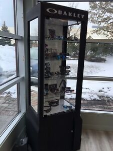 Oakley display case - excellent condition - PRICE DROP