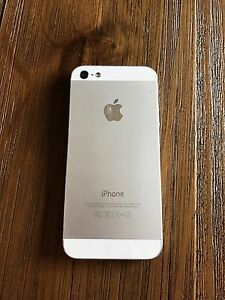 iPhone 5 16gb in very good condition