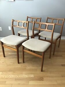 Set of 4 - MID CENTURY MODERN TEAK CHAIRS