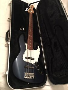 Fender Jazz Bass 5 cordes