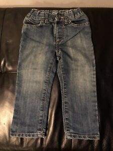 2t jeans (2 pairs)
