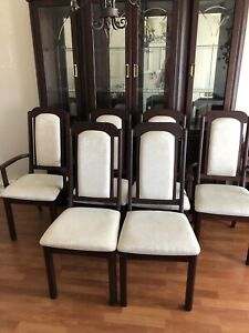 6 DINING ROOM CHAIRS- GUC