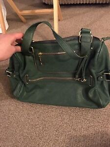 Nine West green shoulder bag