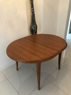 Modern Extendable Dining Table As New