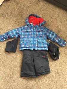 BNWT Boys snow suit size 9 months