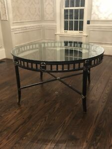 Classic dining / kitchen table with glass top