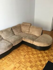 coussin divan sectionnel achetez ou vendez des meubles dans grand montr al petites annonces. Black Bedroom Furniture Sets. Home Design Ideas