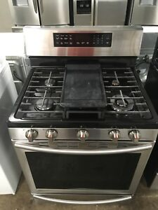 1 year old Samsung gas triple convection oven