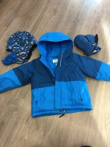 Columbia winter coat and accessories 2T