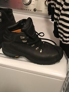 Timberland size 11  1/2good condition