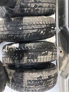 225/60R18 Michelin pneus d'hiver - 100$