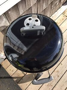 Weber charcoal BBQ with seperate electric starter