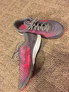 Nike Training FlyWire Running Shoes Size 8