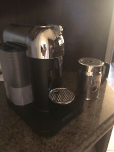 Nespresso Vertuoline coffee machine with frother (like new)