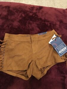Boom Boom Jeans Faux Suede Shorts (Girls/Woman's Size 3)