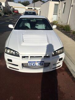Skyline r34 coupe