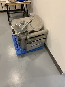 Commercial slicer automatic (globe) meat/cheese