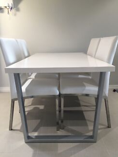 Glossy Dining Table 4 Chairs 30000 Negotiable Osborne Park