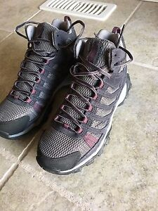 Columbia Helvatia Mid Waterproof Hiking Boot