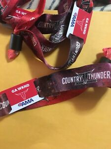 4 country thunder tickets