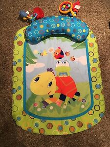 Tummy time mat & pillow