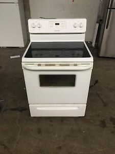 Beautiful Frigidaire  Stove (Used)